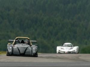 Wibo Rademaker in zijn Radical sportscar op de Nürburgring in Duitsland