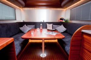 Trailer-hospitality-Rhesus-binnenzijde